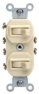 5243-I LEV 15A/120-277V COMB 2-3WAY SWITCHES IVORY