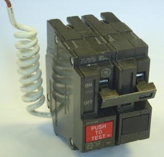 THQL2115GF1 GE 2 POLE 120/208V 10K IC 15AMP GFCI 78316430511