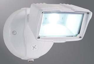 FSS1530LPCW LUMARK 20W LED FLOODLIGHT DUSK TO DAWN WHITE 1475 LUMENS 5000K 120V