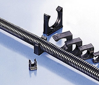 BFH-48-0 T-B CONDUIT 1PC SUPPORT PA6 NW48 BLK