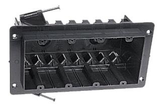NG-460-V CAR 4 GANG VEE CLAMP BRACKET BOX