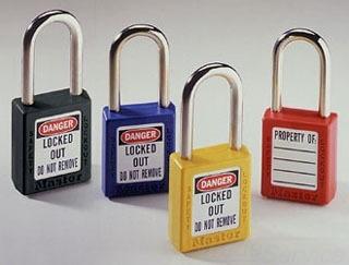 44-916 IDL RED SAFETY LOCK W/KEY