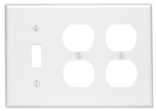 88047 LEV 3G COMB PLATE W/2 DPLX RECEP & 1 TOGGLE WHITE