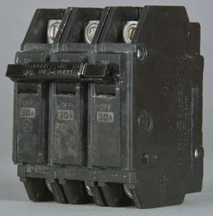 GE Industrial Solutions THQC32030WL 240 Volt 30 Amp 10 kaic 3-Pole Circuit Breaker with Lugs