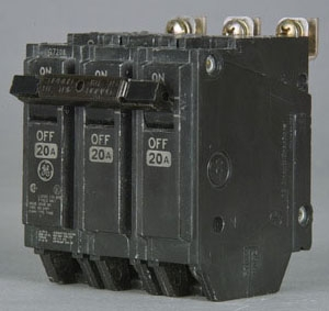 GE THQB32070 3P 70A BOLT-ON BREAKER