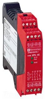 SQD XPSAC5121P SAFETY RELAY 300V 2.
