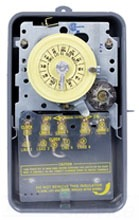 T1472BR NEMA 3R - STEEL CASE 208-277 V 4PST SEPARATE CLOCK MOTOR AND CIRCUIT TERMINALS