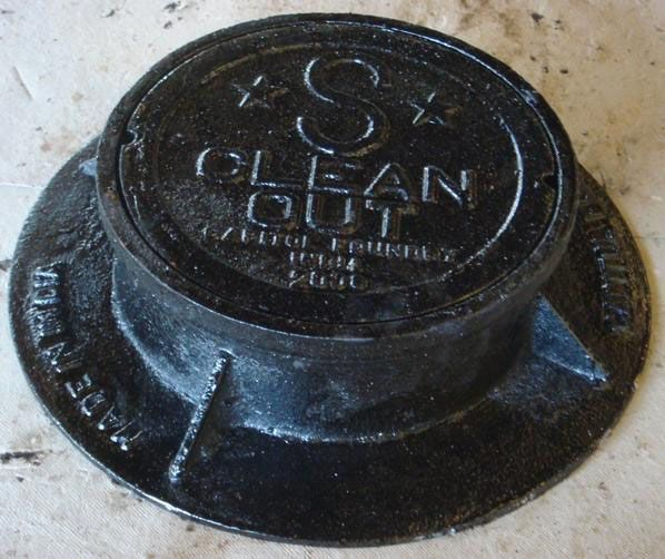 """15-3/4"""" x 4"""", Grey Cast Iron, Sewer Logo, Cleanout Box and Lid"""