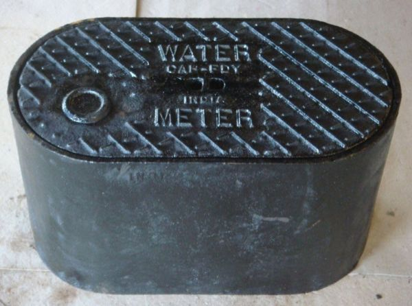 "12-3/8"" x 3/4"", Grey, Cast Iron, Meter Box Lid"